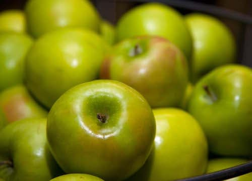 Granny smith apples in Conn